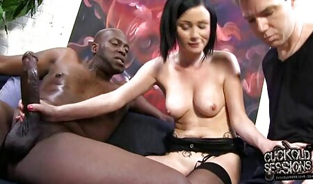 Mutter mit riesigen süßen natürlichen Brüsten hd pornofilme kostenlos
