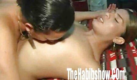 Lacy Duvall hd fickfilme leert zwei weiße Schwänze mit ihrem sexy Arschkörper