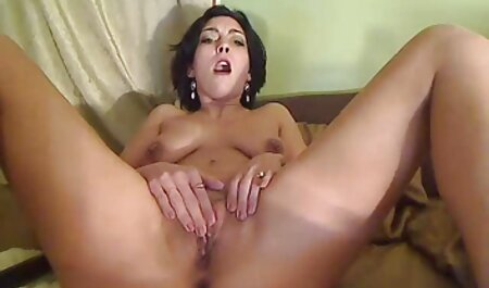 Eine sexy weiße und eine schwarze Schlampe teilen sich den Schwanz eines schwarzen deutsche hd pornos gratis Mannes