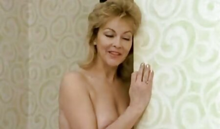 Reinigen Sie ihre Möse mit deutschsprachige sexfilme in hd einer Toilettenbürste