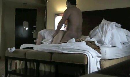 Die vollbusige Ryana masturbiert ihre Muschi mit Finger und sexfilme hd gratis Dildo