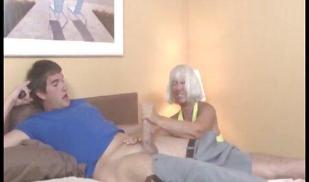 Zwei heiße Süße reiben gratis hd sexvideos Klitoris aneinander