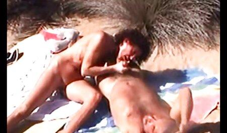 Zwei sexy lesbische Hündinnen essen hd pornofilme gratis Muff Pie im Pool