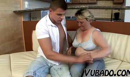 Schöne pornovideos hd Mutter großbrüstig, ein dicker Arsch und ein Kerl