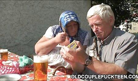 Das süße schwarze Babe bekommt ihre nasse Muschi von einem weißen Kerl geleckt und dann gefickt deutschsprachige hd pornos
