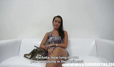 Gina Lin schlägt mit dem deutsche sex filme in hd Finger auf ihre haarige Muschi
