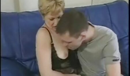 mehr Dirty Talking Teen spielt mit Pussy vor der deutsche hd pornoseiten Kamera