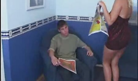 Geile Oma masturbiert mit Dildo hd porno frei