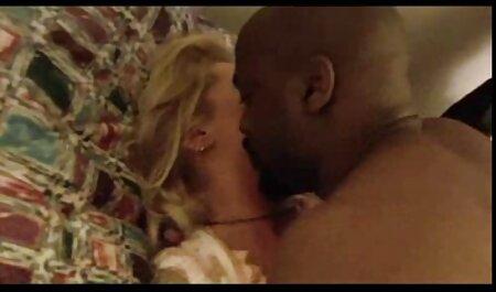 Geile kleine Teen bekommt Fuct von zwei Schwänzen kostenlose hd sex videos 420